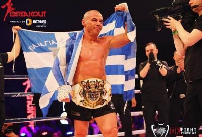 Legendarny ''Iron'' Mike Zambidis udanie zadebiutował w boksie! Video