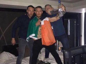 Conor McGregor wraz z kolegami zdemolowali pokój w hotelu!