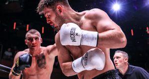 Dramatyczna walka Łukasza Krupadziorowa z Oborotovem, zwycięstwa Amadeusza Sakowicza i Kamila Koltana na Kickboxing Grand Prix 22 w Londynie! Video