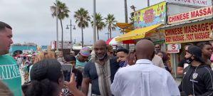 """Niełatwe spacery Mike'a Tysona czyli """"odgryzł mi ucho""""! Video"""