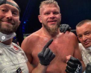 UFC Fight Island 5: Ważne zwycięstwo Marcina Tybury nad amerykańskim weteranem MMA Benem Rothwellem!